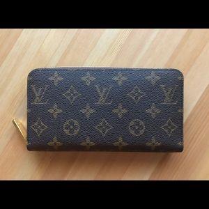 Louis Vuitton Monogram Zippy Wallet M41896